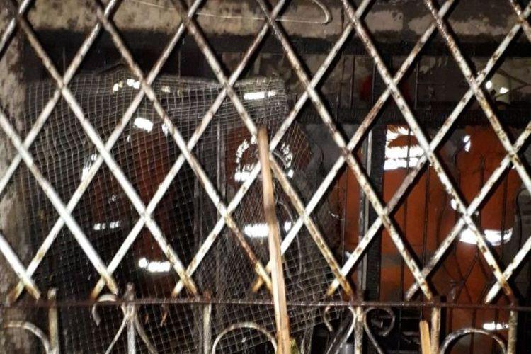 Kebakaran terjadi di permukiman padat penduduk di jalan Pademangan II Gang 26 RT 007 RW 002 No 25, Pademangan, Jakarta Utara, Sabtu (17/2/2018) pukul 04.54 WIB. Kebakaran tersebut menghanguskan satu rumah tinggal.