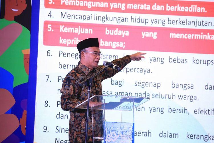 Menko PMK Muhadjir Effendy menjadi Keynote Speaker pada acara Sosialisasi  Sustainable Development Goals (SDGs) dan Rapat Koordinasi Teknis Sensus Penduduk Tahun 2020 di Hotel Harris Vertu, Jakarta, Selasa (26/11/2019).
