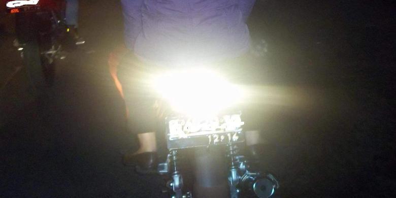 Mika lampu bening