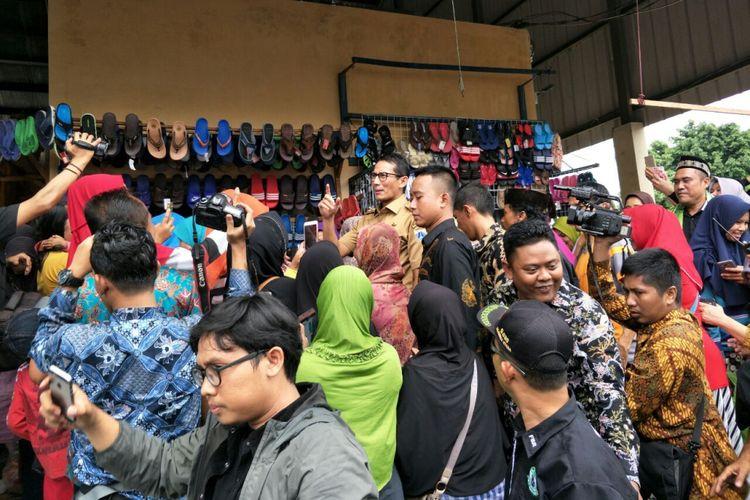 Wakil Gubernur DKI Jakarta Sandiaga Uno tiba-tiba mendatangi lokbin di Rorotan, Jakarta Utara, Selasa (6/2/2018).