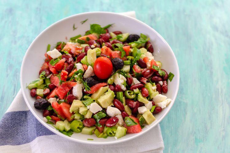Ilustrasi salad sayur.
