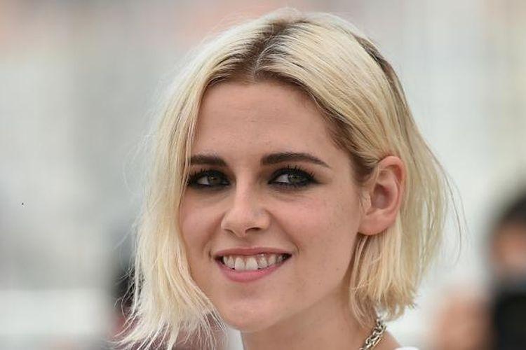Aktris Kristen Stewart menghadiri sesi pemotretan untuk film Cafe Society pada Festival Film Cannes, Kota Cannes, Perancis, Rabu (11/5/2016).