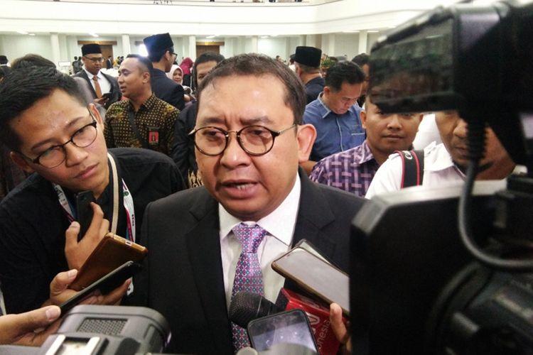 Wakil DPR RI Fadli Zon saat hadir dalam pelantikan anggota DPRD Jabar periode 2019-2024 di Gedung Merdeka, Kota Bandung, Senin (2/9/2019).