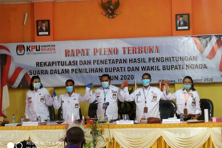 Foto : Rapat pleno perhitungan suara KPU Kabupaten Ngadal, Kamis (17/12/2020).