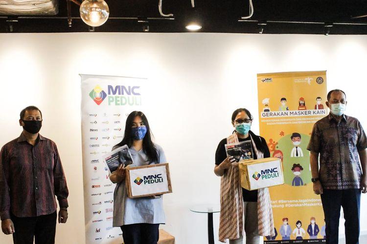 Donasi masker ini merupakan kerjasama antara Kemenparekraf dengan MNC Peduli yang diharapkan membantu menekan laju penyebaran Covid-19.