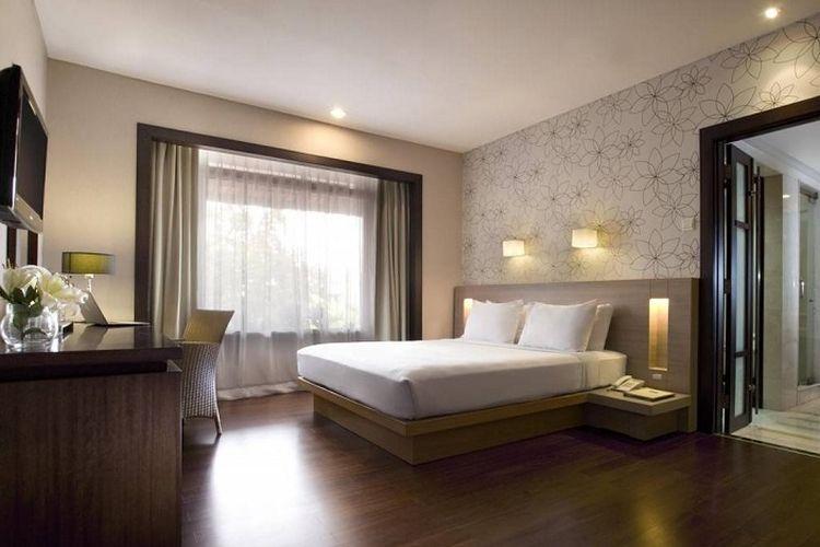 Salah satu tipe kamar Santika Hotel Bandung.