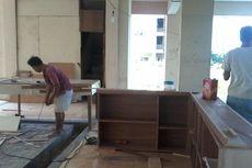 Tukang Mebel dan Reparasi Sofa Siap Tinggalkan Rusun Komarudin