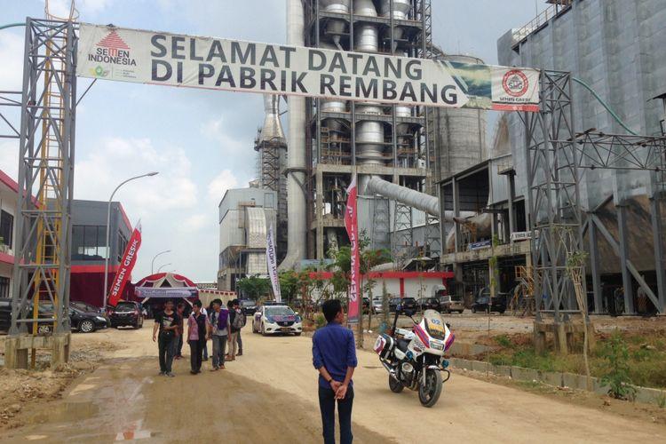 Pabrik semen Indonesia di Rembang, Jawa Tengah, Jumat (21/4/2017)