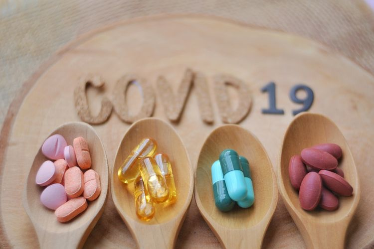 Ilustrasi obat antivirus untuk Covid-19. Oseltamivir dan Azithromycin sebagai obat perawatan pasien Covid-19.