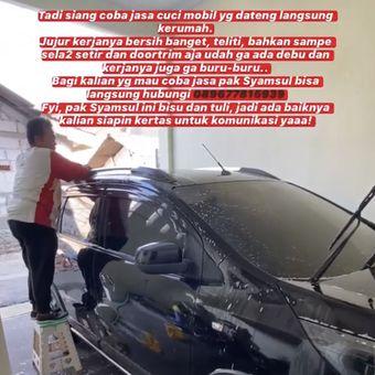 Pak Syamsul seorang penyandang Tuna Rungu yang bekerja sebagai tukang cuci mobil keliling