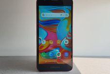 Menggenggam Galaxy A2 Core, Ponsel Android Go Baru dari Samsung