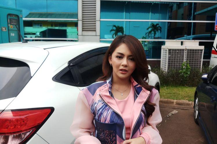 Penyanyi dangdut Jenita Janet saat ditemui di kawasan Tendean, Jakarta Selatan, Selasa (24/11/2020).