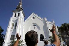 Gereja Tempat Penembakan di Charleston Dibuka Kembali