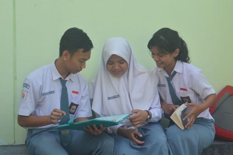 Ilustrasi siswa SMA, seragam SMAs