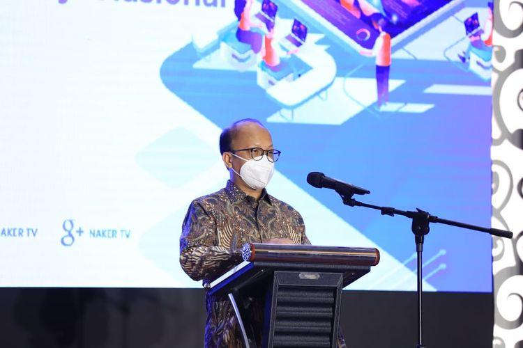 Sekretaris Jenderal (Sekjen) Kementerian Ketenagakerjaan (Kemenaker) Anwar Sanusi saat menjadi pembicara pada web seminar (webinar) bertajuk Strategi Pengembangan Sistem Informasi Pasar Kerja Nasional, Selasa (6/7/2021).