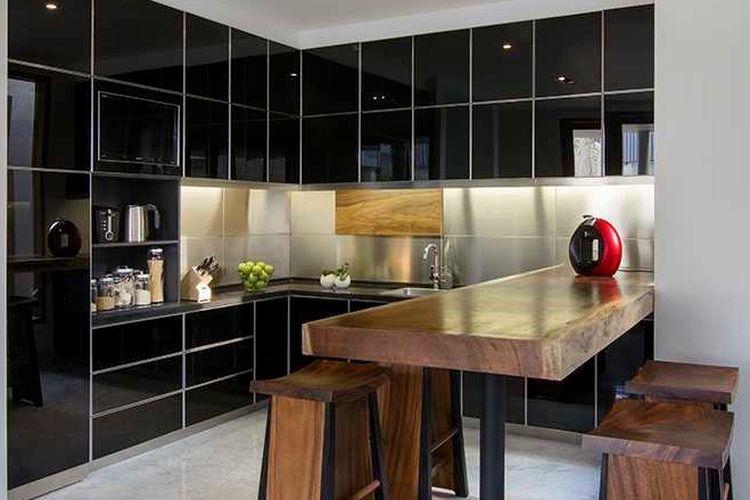 Meja dapur dari kayu, dapur karya Erwin Kusuma