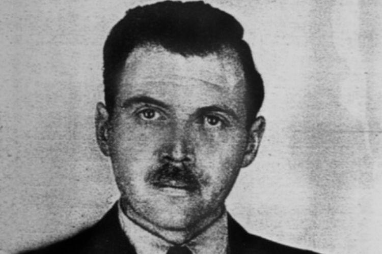 Dokter Josef Mengele, Malaikat Maut dari kamp konsentrasi Auschwitz. [Via Wikimedia Commons]