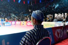 Wasit dan Hakim Garis Indonesia Open 2019 Pakai Baju Tradisional Jawa