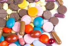5 Vitamin Terbaik untuk Mengatasi Asam Urat Tinggi