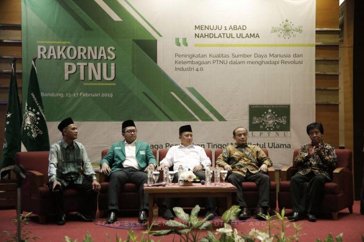 Menristekdikti saat menghadiri Rapat Koordinasi Nasional LPTNU di Hotel Savoy Homann, Bandung, (16/02/2019).
