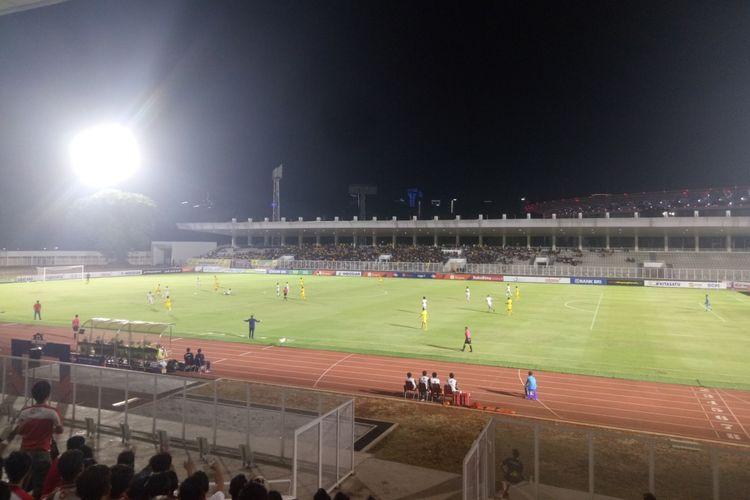 Pertandingan pekan ke-12 Liga 1 2019 antara Bhayangkara FC vs Madura United yang berlangsung di Stadion Madya, Kompleks Gelora Bung Karno, Jakarta, Senin (5/8/2019).
