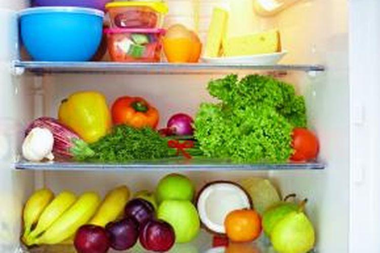 Beberapa buah-buahan dan sayuran tidak perlu disimpan dalam lemari es selama beberapa hari. Justru harus disimpan pada suhu kamar, jauh dari sinar matahari langsung, dan panas.