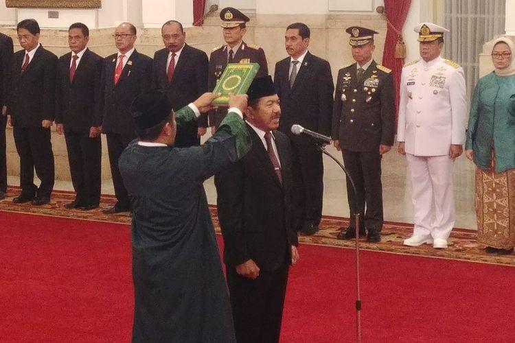 Djoko Setiadi saat dilantik Jokowi sebagai Kepala Badan Siber dan Sandi Nasional, Rabu (3/1/2018).