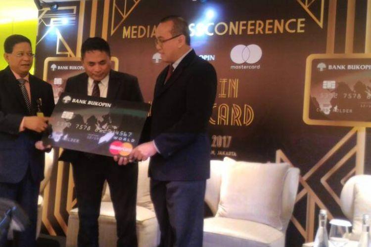 Peluncuran Kartu Kredit Bukopin World Card di  Hotel Raffles Jakarta, Jumat (21/4/2017).