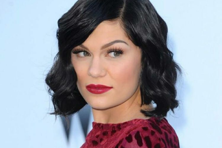 Penyanyi asal Inggris, Jessie J.