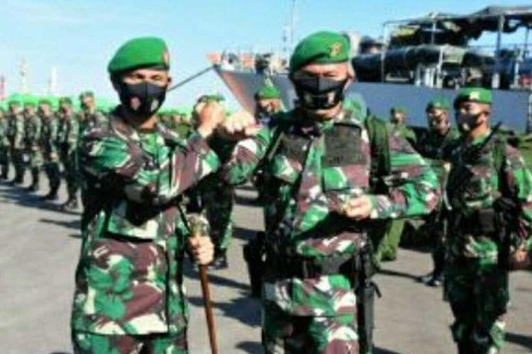 Komandan Korem (Danrem) 031/Wira Bima Brigjen TNI M Syech Ismed saat menyambut kedatangan 400 prajurit TNI AD Batalyon Infanteri (Yonif) 132/Bima Sakti yang pulang usai melaksanakan tugas di perbatasan Indonesia dengan Timor Leste di Pelabuhan Dumai, Riau.