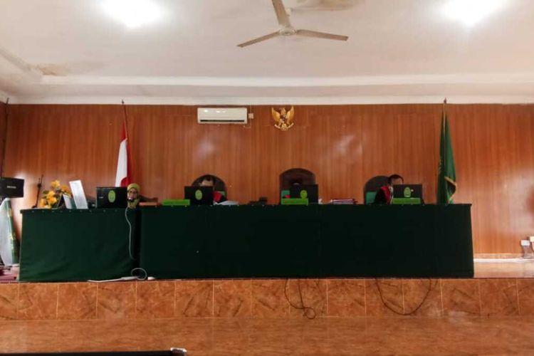 Bandar narkoba asal Palembang Alamsyah yang menyelundupkan sabu sebanyak 22 kilogram divonis mati oleh majelis hakim pengadilan negeri kelas 1 Palembang, Rabu (17/2/2021).