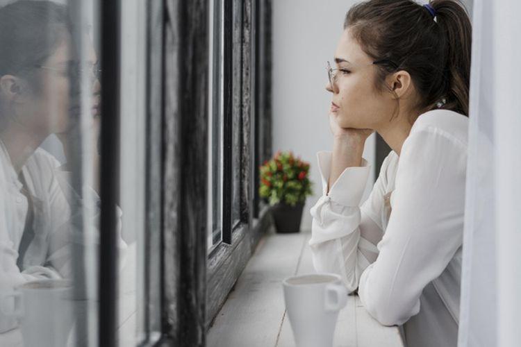 Ghosting adalah istilah kencan sehari-hari yang mengacu pada pemutusan kontak secara tiba-tiba dengan seseorang tanpa memberi penjelasan apapun pada orang yang bersangkutan.