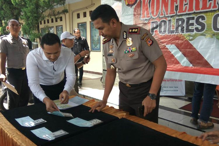 Kapolres Ciamis, AKBP Bismo Teguh Prakoso saat memimpin ekspos kasus di halaman Mapolres, Senin (17/2/2020).