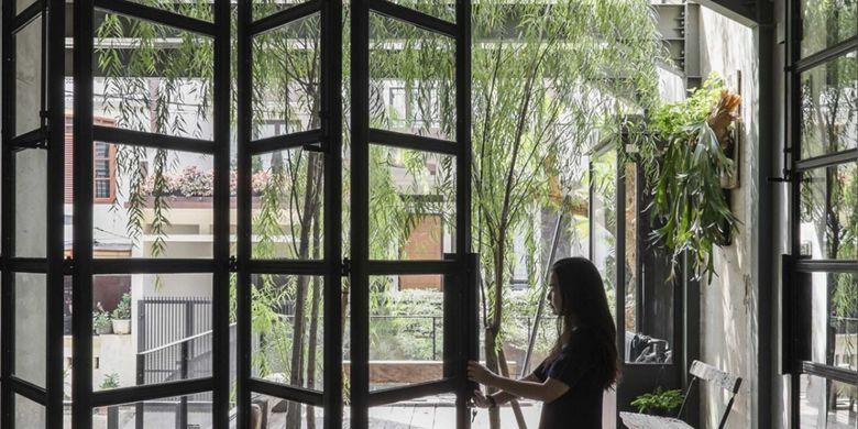Ingin Rumah Tampak Mewah Cobalah Model Jendela Kaca Kekinian