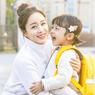 Contek Gaya Simpel Aktris Kim Tae-Hee, Pemeran Hi, Bye Mama!