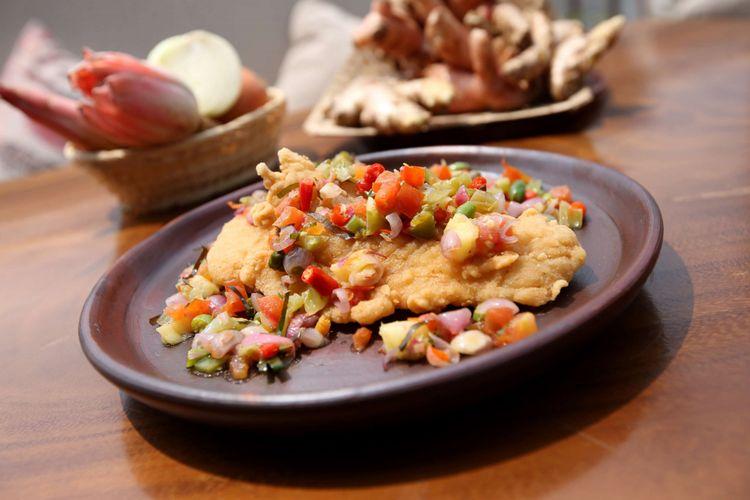 Menu dori dabu-dabu di rumah makan Bumi Sampireun, Vimala Hills, Bogor, Jawa Barat, Kamis (16/8/2018). Rumah makan yang menyajikan menu masakan khas Indonesia ini adalah outlet kedua setelah sukses di Bumi Serpong Damai.