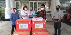 Dapat Bantuan 3000 Masker Kain, Wali Kota Madiun Langsung Bagikan Secara Gratis