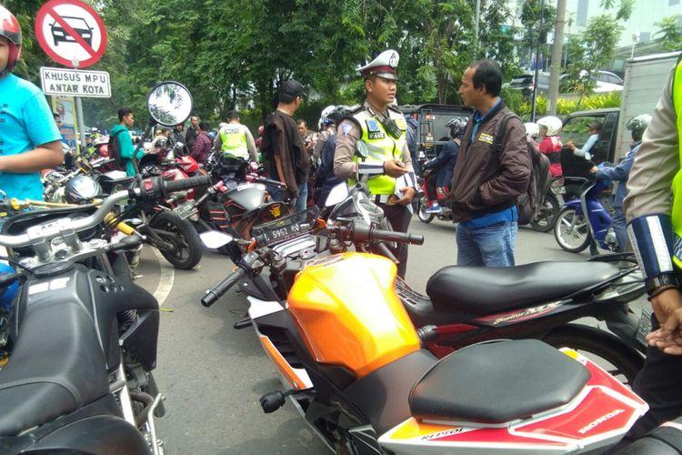 Ilustrasi razia motor oleh polisi.