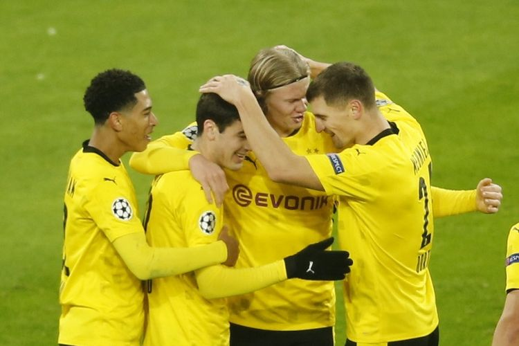 Skuad Borussia Dortmund saat merayakan gol ke gawang Club Brugge pada laga yang termasuk dalam rangkaian matchday keempat Liga Champions, Rabu (25/11/2020) dini hari WIB.