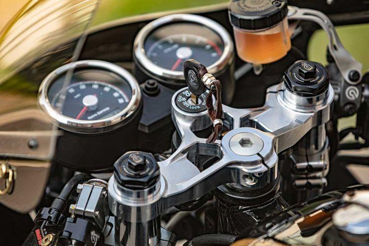 Royal Enfield Continental GT 650 bergaya cafe racer garapan Crazy Garage