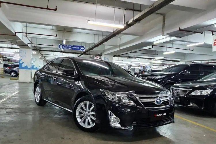Toyota Camry Hybrid di pasar mobil bekas