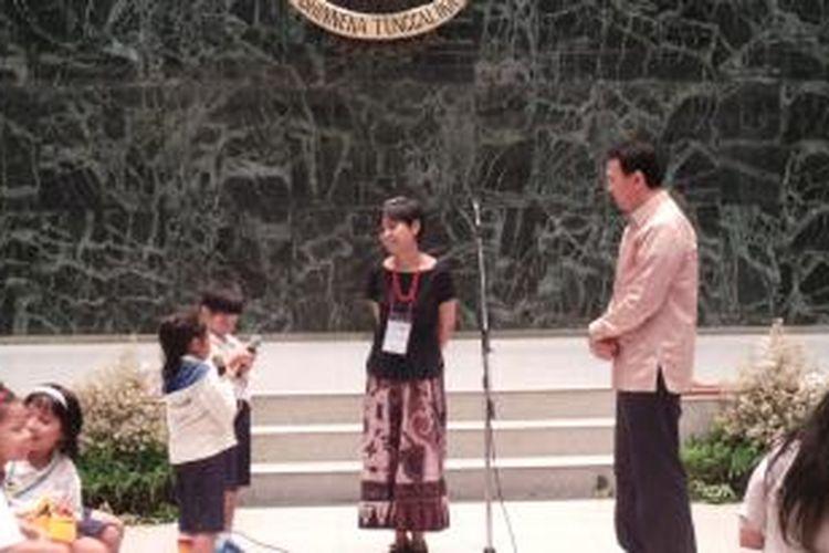 Pelaksana Tugas (Plt) Gubernur DKI Jakarta Basuki Tjahaja Purnama saat menerima siswa SD Gemala Ananda, Jakarta, Kamis (19/6/2014).