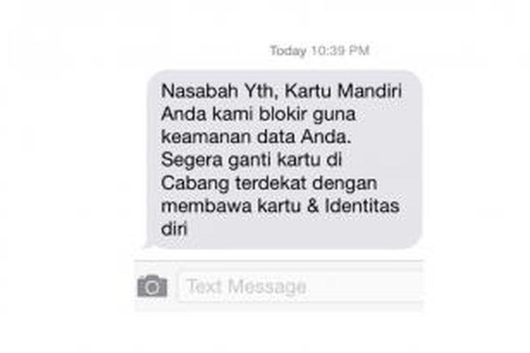 SMS dari Bank Mandiri kepada nasabah yang kartu ATM-nya terblokir, Senin (12/5/2014) malam.