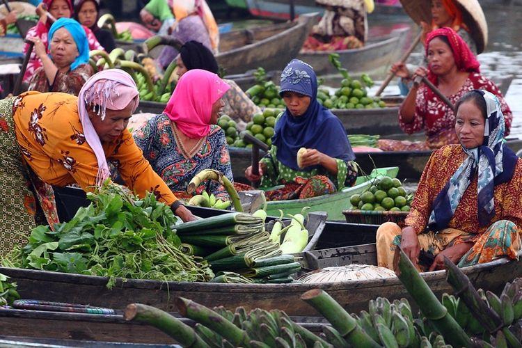 Pasar Terapung Lok Baintan menerapkan akad saat transaksi jual beli.