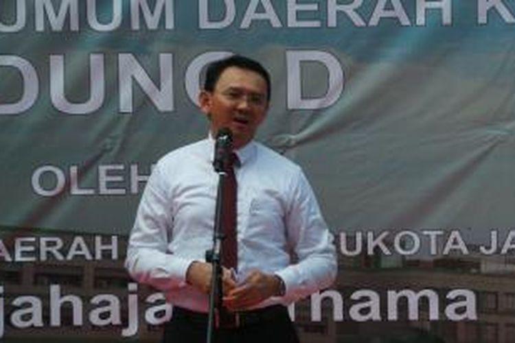 Gubernur DKI Jakarta Basuki Tjahaja Purnama saat meresmikan gedung Blok D RSUD Koja, Jakarta Utara, Selasa (10/11/2015).