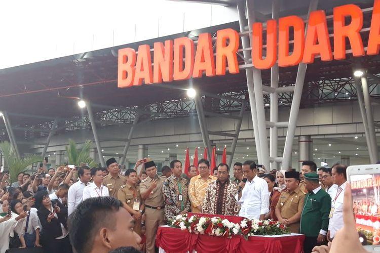Presiden Joko Widodo ketika meresmikan terminal baru Bandara Tjilik Riwut di Palangkaraya, Senin (8/4/2019).