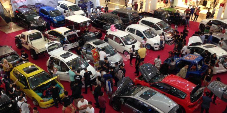 Ajang modifikasi mobil di Lombok.