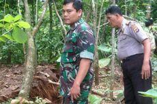 Hujan Lebat, Bukit di Dusun Pengkol Merekah dan Ancam 3 Rumah Warga