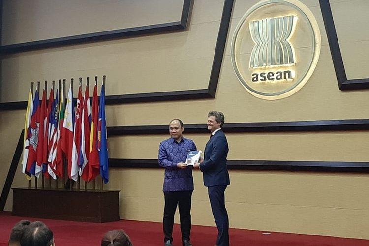 Peluncuran buku berjudul Blue Book 2019 EU-ASEAN Cooperation pada Kamis (8/8/2019) di kantor Sekretariat ASEAN, Jakarta.
