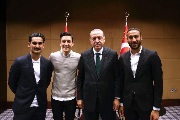 Mesut Oezil dan Presiden Turki Recep Tayyip Erdogan